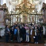 Gruppe in der Abteikirche St. Matthias